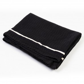 Matelasse Oblique Throw Black