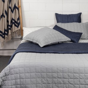 Logan Grid Quilt - Grey