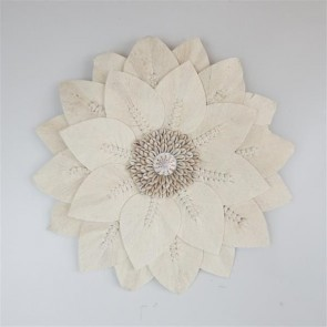 Leaf Circle with Shells Wall Art